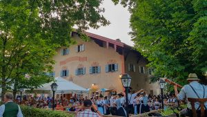 Feldwieser Wirtschaft mit Biergartenbetrieb ...Tradition soll leben und gesehen werden vom Gast